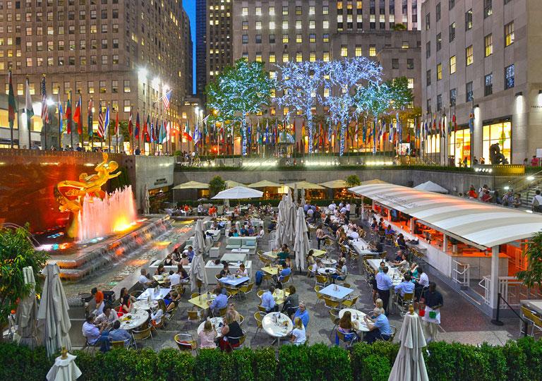Outdoor dining in Rockefeller Center in NYC