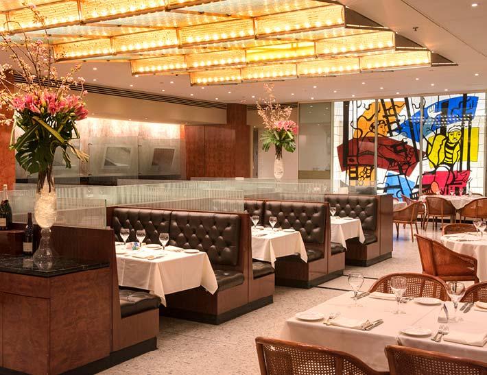 Brasserie 8 1/2 dining area