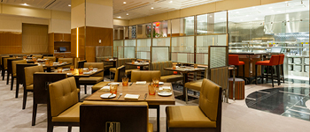 STATE Grill and Bar dining room, Empire State Building, NYC