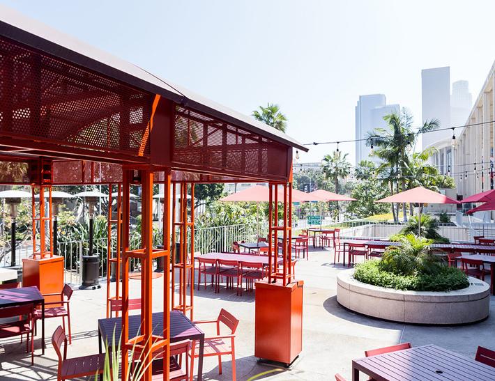 Cocina Roja Exterior dining area