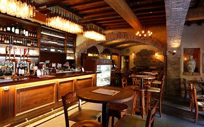 Tutto Gusto Interior Dining area